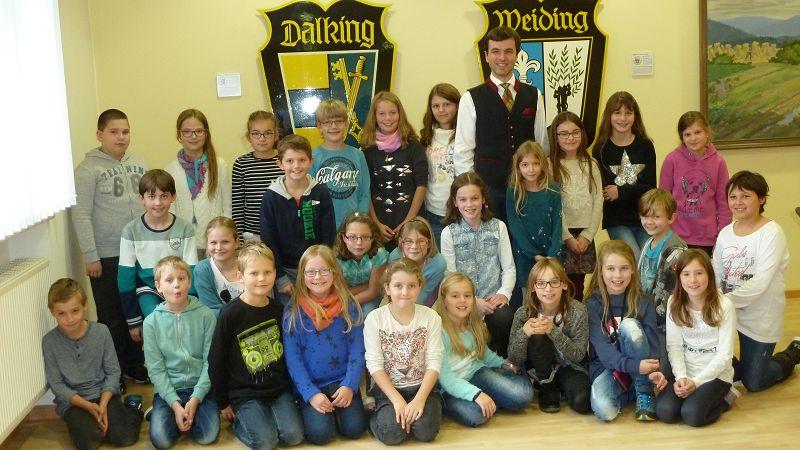 k-Die 4. Klasse mit Bürgermeister Daniel Paul